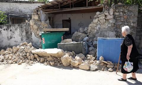 Σεισμός στην Κρήτη: «Το Αρκαλοχώρι βυθίστηκε 15 εκατοστά - Τα 5,3R ισοπέδωσαν ό,τι είχε απομείνει»