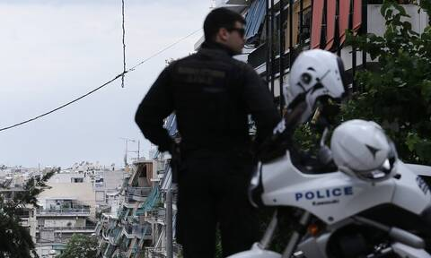 Βόλος: Έριξε… κουτουλιά σε αστυνομικό – Ο καβγάς με την πρώην σύζυγο και η σύλληψη
