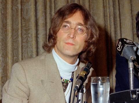 Kασέτα με ακυκλοφόρητο τραγούδι του Τζον Λένον πουλήθηκε για σχεδόν 50.000 ευρώ!