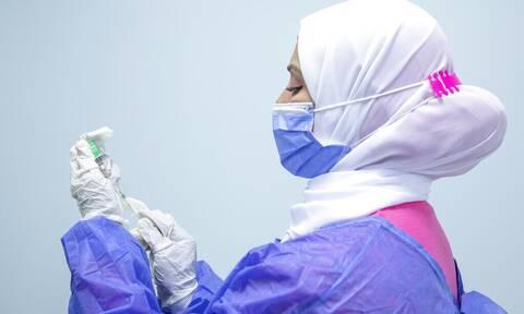 Κορονοϊός - Αίγυπτος: «Μπλόκο» στους δημόσιους υπαλλήλους που δεν έχουν εμβολιαστεί