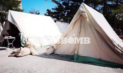 Σεισμός Κρήτη: Στο «χορό» των ρίχτερ για 3η μέρα -  Παραδόθηκαν 300 ράντζα στους σεισμόπληκτους