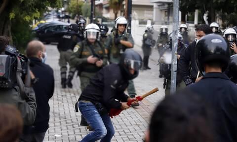 Επεισόδια στη Σταυρούπολη: Εντοπίστηκαν όπλα και μαχαίρια στις οικίες δύο συλληφθέντων (photo)