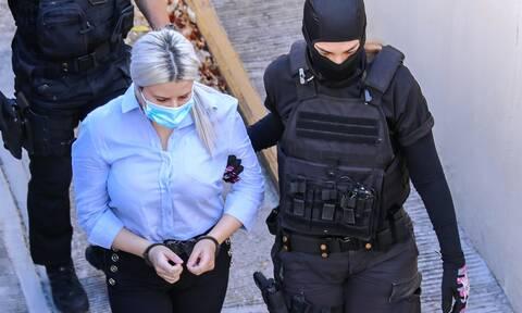 Δίκη για βιτριόλι Έφη Κακαράντζουλα