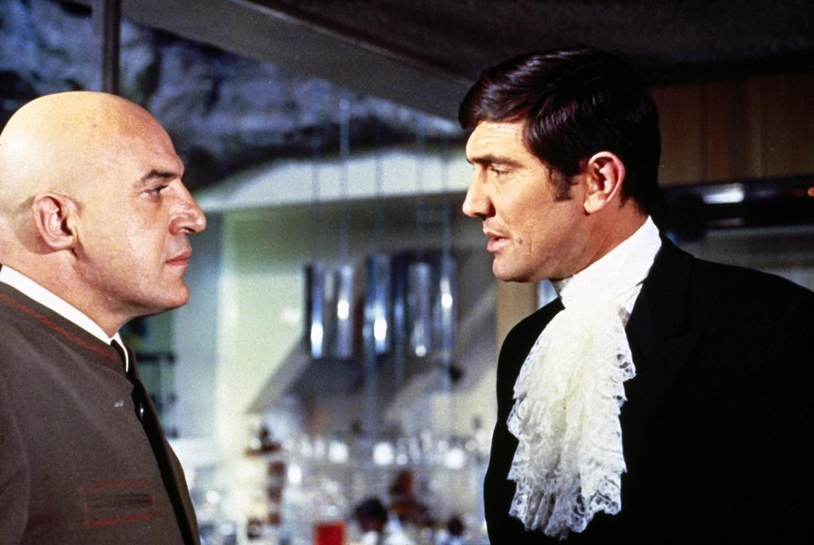 Τζορτζ Λέιζενμπι James Bond