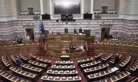 Βουλή: Υπερψηφίστηκε με 158 υπέρ η σύμβαση παραχώρησης τμήματος του λιμανιού του Πειραιά στην Cosco