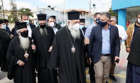 Σεισμός στην Κρήτη - Ιερώνυμος από Αρκαλοχώρι: «Στήριξη με έργα και όχι με λόγια»