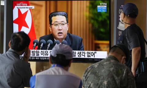 Η Βόρεια Κορέα ανακοίνωσε πως δοκίμασε επιτυχώς «νέο» αντιαεροπορικό πύραυλο