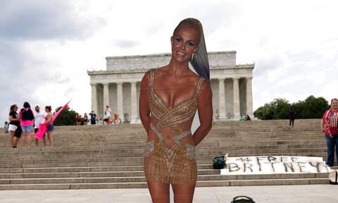 Britney Spears: Οι γυμνοί «πανηγυρισμοί» μετά την απελευθέρωση από την κηδεμονία του πατέρα της