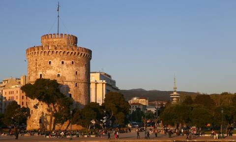 Θεσσαλονίκη: Γιατί επέστρεψε στο μίνι lockdown έναν χρόνο μετά την «έκρηξη» του 2020