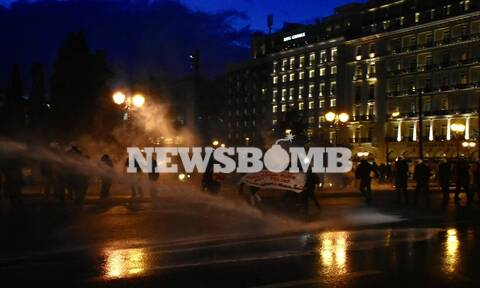 Επεισόδια στο Πανεκπαιδευτικό συλλαλητήριο στο κέντρο της Αθήνας (pics - vid)