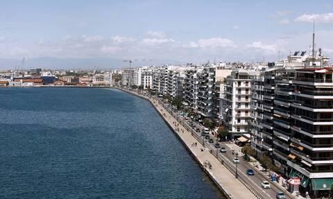 Ρεπορτάζ Newsbomb.gr: Γέμισαν οι ΜΕΘ στην Θεσσαλονίκη –«Στέλνουμε ασθενείς αλλού», λέει ο Καπραβέλος