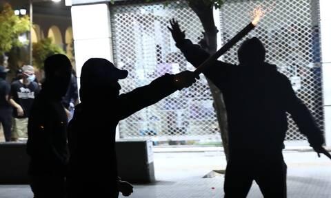 Επίθεση κρανοφόρων σε εκδήλωση της ΚΕΕΡΦΑ στο Νέο Ηράκλειο