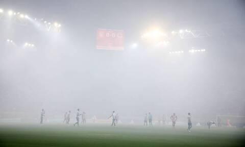 Ολυμπιακός-Παναθηναϊκός: Χάος στο Καραϊσκάκη - Οκτάλεπτη διακοπή λόγω καπνογόνων
