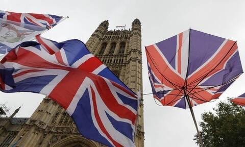 Brexit: Η Βρετανία ανεβάζει την ένταση για τη Βόρεια Ιρλανδία