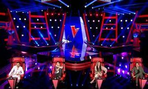 The Voice: Απίστευτο σκηνικό! Ο Μουζουράκης άρπαξε διαγωνιζόμενη (videos)