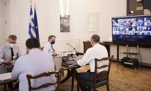 Κορονοϊός: Μήνυση κατά του πρωθυπουργού, της κυβέρνησης και λοιμωξιολόγων κατέθεσαν 82 Λαρισαίοι