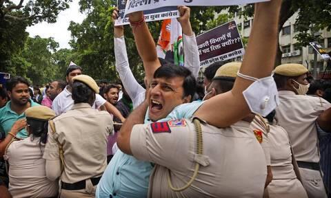 Οκτώ νεκροί σε διαδήλωση αγροτών στην Ινδία