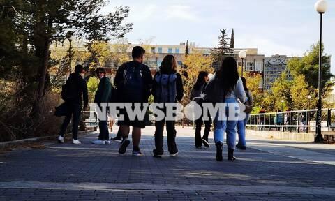 Πανεπιστήμια: Σταδιακό άνοιγμα από σήμερα - «Δεν νιώθαμε φοιτητές», λένε στο Newsbomb.gr