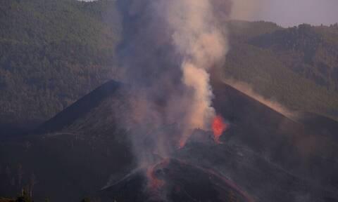 Έκρηξη ηφαιστείου στην Ισπανία: Φούσκωσε το ποτάμι της λάβας στη Λα Πάλμα (pics+vid)