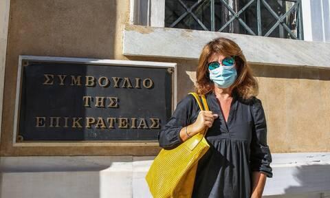 Το ξέσπασμα στο ΣτΕ της μητέρας της Μυρτούς από την Πάρο: Το κράτος δεν της φέρεται όπως πρέπει