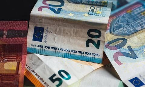 Πρόσθετους φόρους 4 δισ. ευρώ θα καταβάλουν νοικοκυριά και επιχειρήσεις το 2022