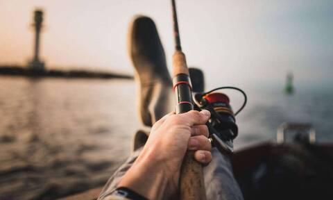 Τρομακτική ψαριά με πετονιά - Αυτό που έπιασε έγινε Viral (photos)