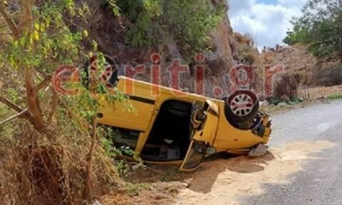 Ρέθυμνο: Η στιγμή που ΙΧ πραγματοποιεί «βουτιά θανάτου» από γέφυρα