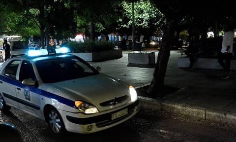Είκοσι τρεις συλλήψεις σε κατάστημα στην Καλλιθέα που είχε μετατραπεί σε «μίνι καζίνο»