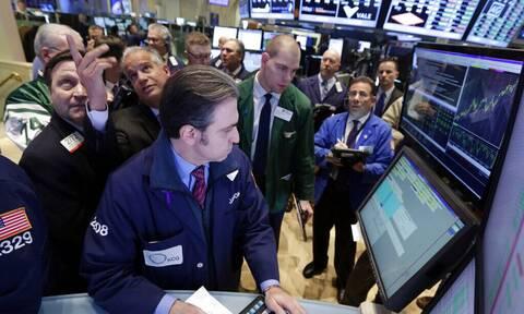 «Έπεσε» το Facebook και παρέσυρε τη Wall Street - «Καλπάζουν» οι τιμές του πετρελαίου