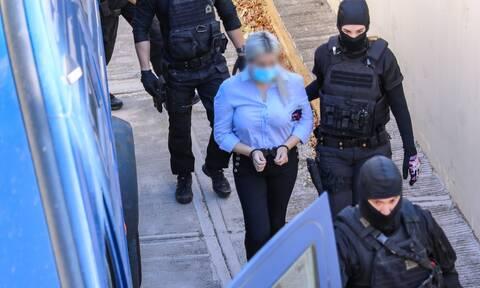 Δίκη για βιτριόλι: Ξανά στο δικαστήριο η κατηγορούμενη για την επίθεση, Έφη Κακαράντζουλα