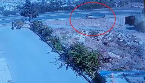 Βίντεο σοκ από θανατηφόρο τροχαίο στη Κρήτη - Προσοχή σκληρές εικόνες (vid)