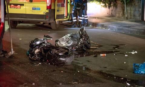 Αιγάλεω: Νεκρός μοτοσικλετιστής σε φρικτό τροχαίο - Διαλύθηκε η μηχανή του (σκληρές εικόνες)
