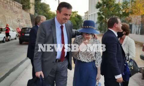 Η Ιωάννα Παλιοσπύρου με τον δικηγόρο της