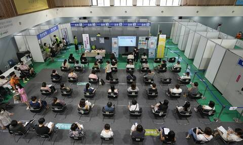 Νότια Κορέα: Οι αρχές ξεκινούν τον εμβολιασμό των εγκύων κατά του κορονοϊού