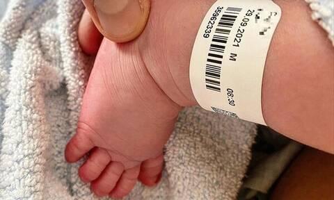 Η γνωριμία στο Facebook και ο ερχομός του πρώτου παιδιού τους (pics)