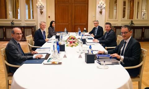 Διερευνητικές επαφές: Σε εξέλιξη η συνάντηση στην Άγκυρα-Οι προσδοκίες και το… διάλειμμα για φαγητό