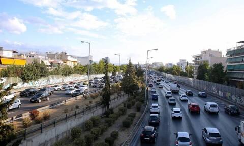 Κίνηση ΤΩΡΑ: Μποτιλιάρισμα χιλιομέτρων στον Κηφισό - Ποιες λεωφόρους να αποφύγετε στην Αθήνα