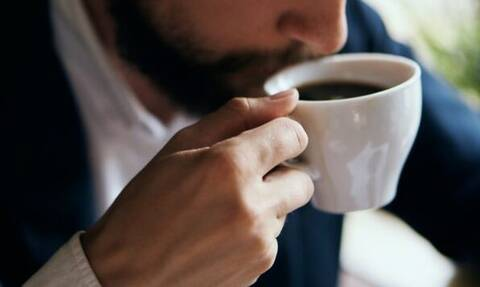 Έρευνα: Πώς ο καφές θα σε βοηθήσει να αντιμετωπίσεις την κατάθλιψη