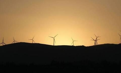 Φον ντερ Λάιεν: Πρέπει να επενδύσουμε στις ανανεώσιμες πηγές ενέργειας για πιο σταθερές τιμές