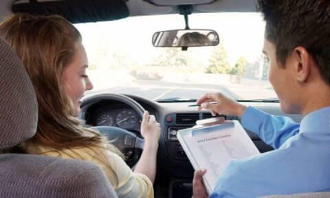 «Πονοκέφαλος» το κόστος του διπλώματος αυτοκινήτου για το νέο οδηγό