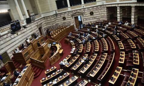 LIVE: Η συζήτηση στη Βουλή για την αμυντική συμφωνία Ελλάδας - Γαλλίας