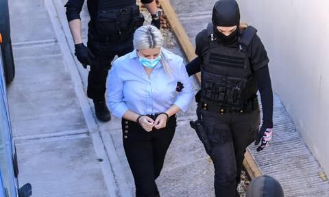Δίκη για βιτριόλι: Στις 14 Οκτωβρίου η απολογία της Έφης Κακαράντζουλα (vids)