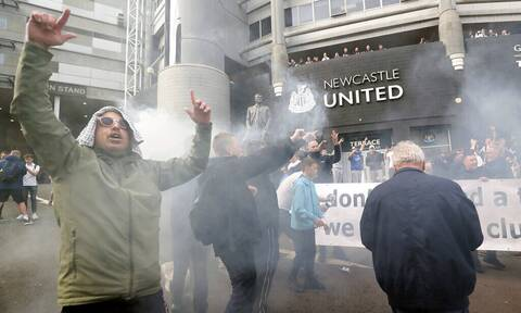 Premier League: Καλώς ήρθε το πετροδόλαρο! Οι Σαουδάραβες πήραν τη Νιουκάστλ, στους δρόμους ο κόσμος