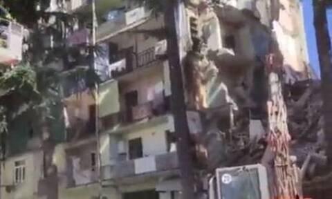 Συναγερμός στη Γεωργία: Κατέρρευσε κτήριο - Πληροφορίες για εγκλωβισμένους (vid)