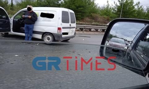 Θεσσαλονίκη: Καραμπόλα οχημάτων, τραυματισμοί και μποτιλιάρισμα στην περιφερειακή οδό