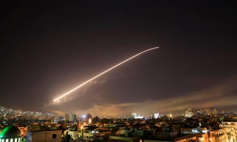 Συρία: Ισραηλινοί πύραυλοι έπληξαν το στρατιωτικό αεροδρόμιο της Χομς - Έξι τραυματίες στρατιώτες