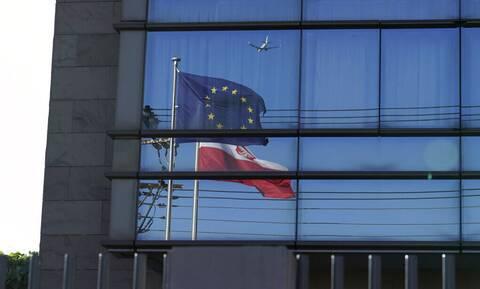 Γαλλία- Γερμανία: Η Πολωνία έχει νομική και ηθική υποχρέωση να τηρεί τους κανόνες της ΕΕ