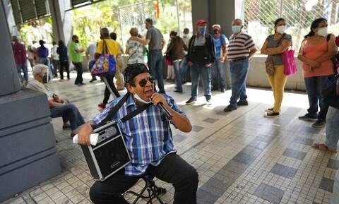 Κορονοϊός- Βενεζουέλα: Εγκαθιστά «φωτεινούς σηματοδότες» σε εστιατόρια και δημόσιους χώρους