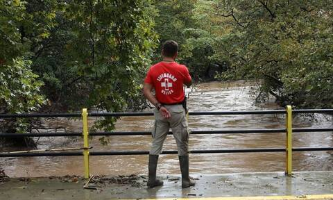 Καιρός: Πώς θα κινηθεί η κακοκαιρία «Αθηνά» τις επόμενες ώρες - Κίνδυνος πλημμυρών στην Εύβοια