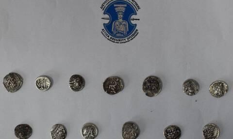 Αρχαιοκάπηλοι με «τιμοκατάλογο» στην Ηλεία – «Μοσχοπουλούσαν» αρχαία ανεκτίμητης αξίας